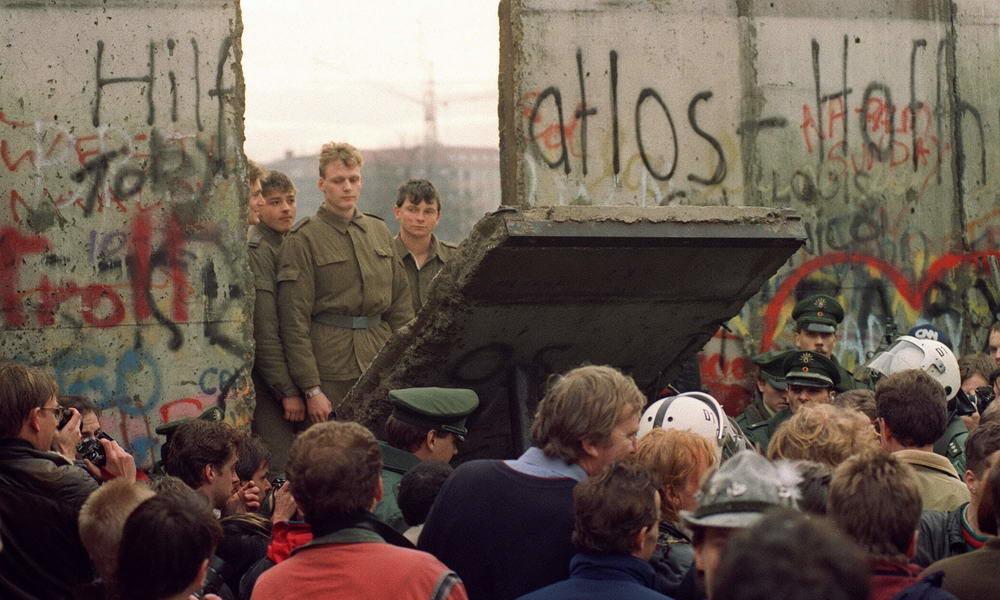 День падения Берлинской стены