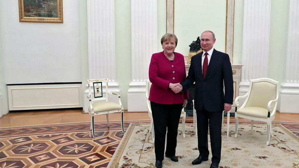 Меркель потребовала завершить «Северный поток-2»