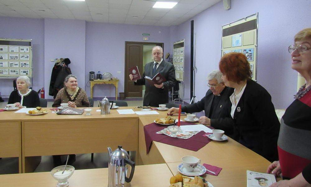 Презентация брошюры об Адамюке